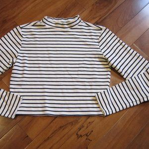 LEITH LONG SLEEVE CROP TOP BLACK CREAM STRIPE SM